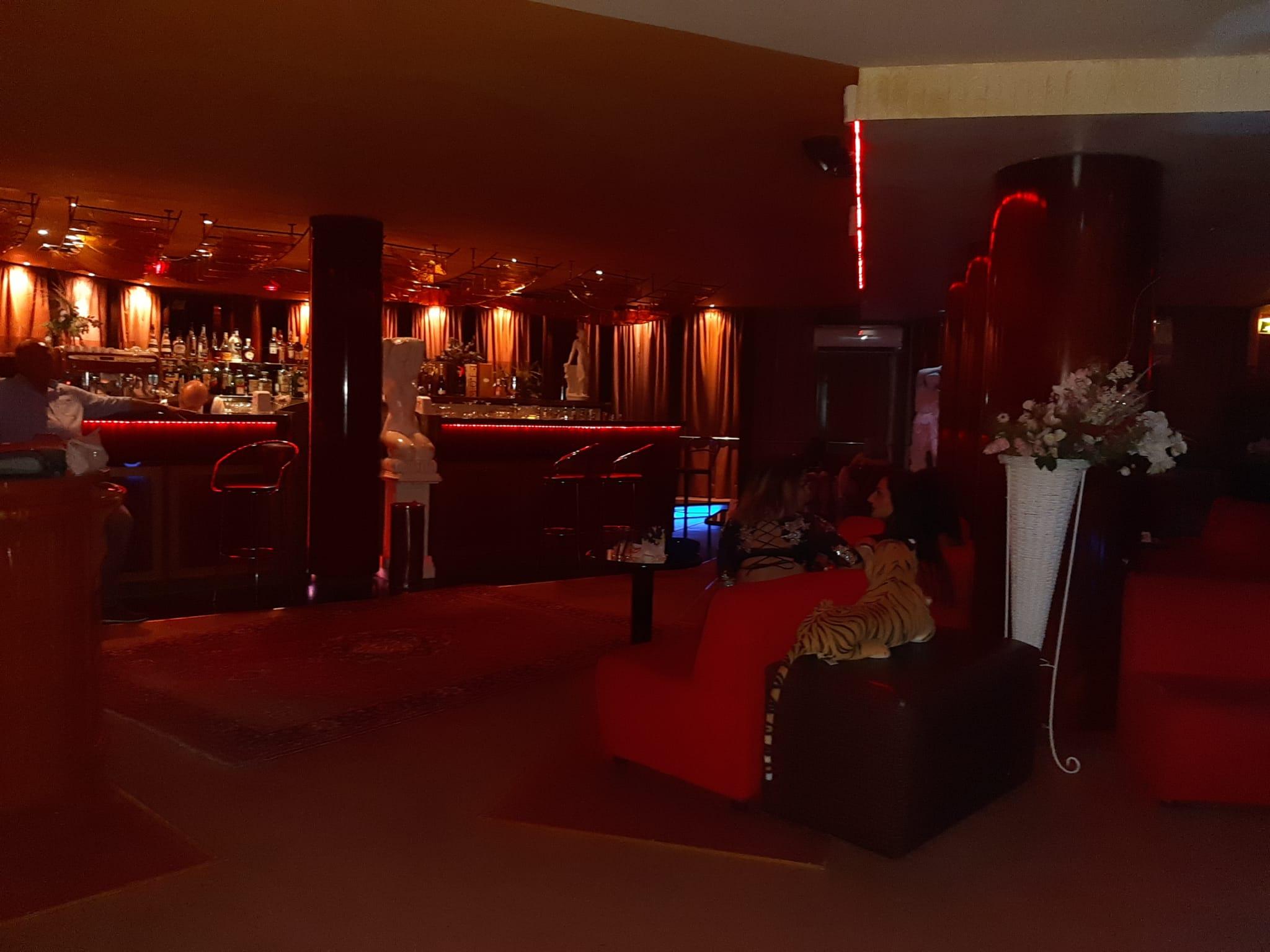 mary night club adria
