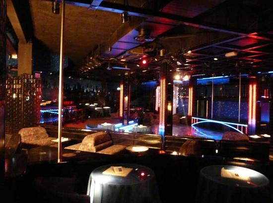 broadway night club
